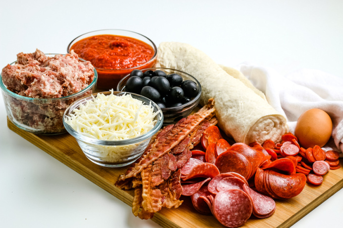 All of the ingredients needed to make these Pizza Calzones.